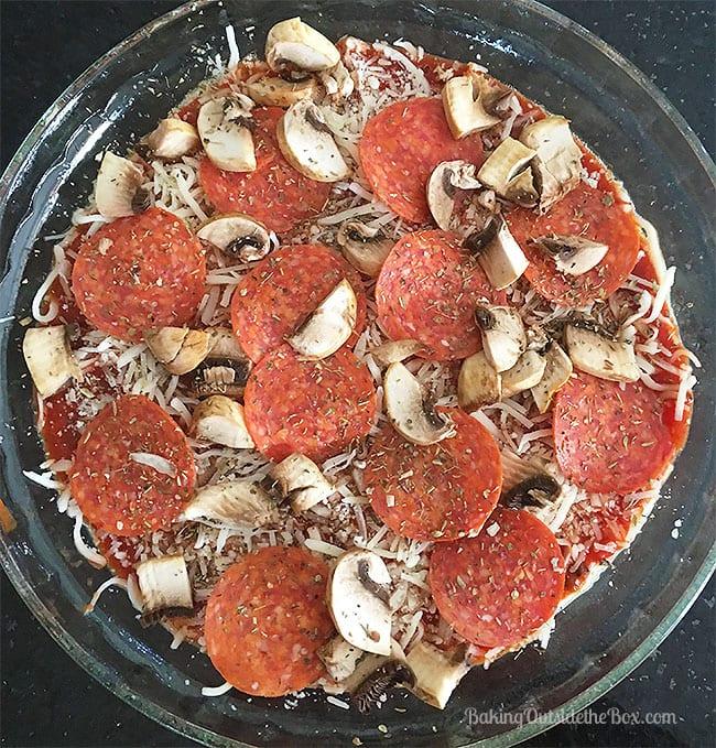 Esta receta para Keto Pizza Dip es definitivamente fácil y perfecta, es indudable que tal vez la ayudes en fiestas para amigos, pero a favor de que lo tengas todo para ti. Tres carbohidratos de rescate por porción.